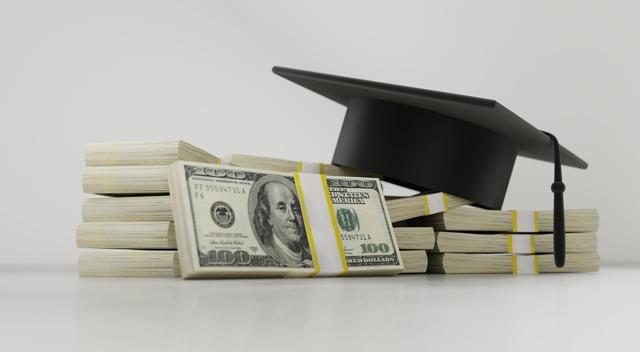 Губернаторская стипендия в 2020 и в 2021 году: условия получения и размер