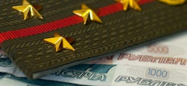 Надбавка военнослужащим за выслугу лет в 2020 и в 2021 году: кому положена и какой ее процент